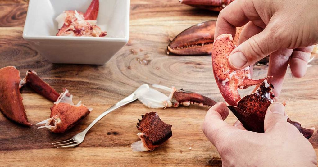 How to crack a lobster - claws